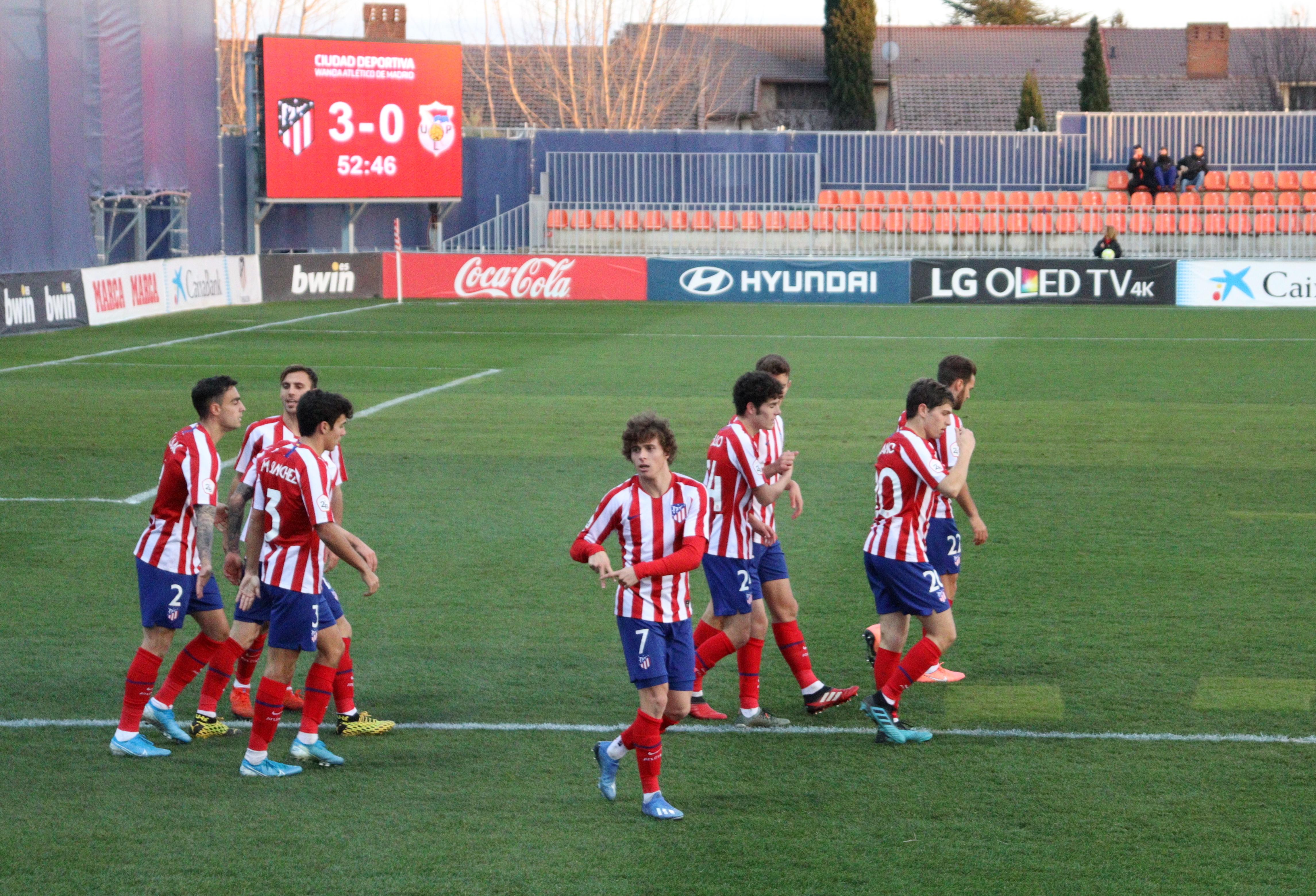 Riquelme protagoniza la fiesta del Atlético B